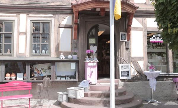 rosablum-einkaufen-in-michelstadt-weine-accessoires-schmuck