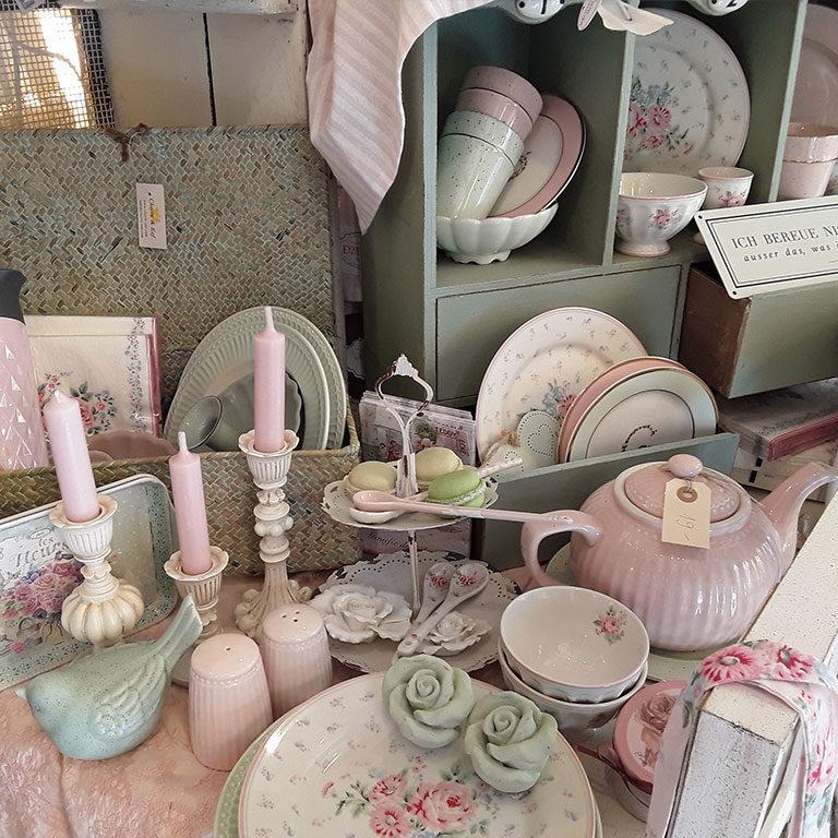 skandinavische Wohnaccessoires, Dekorationen, Textilien und Greengate Geschirr